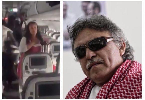 """VIDEO: """"Asesino descarado… Debería viajar en carga"""": Escena en un avión contra Santrich"""