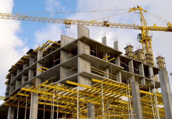 Entre la arquitectura y la construcción