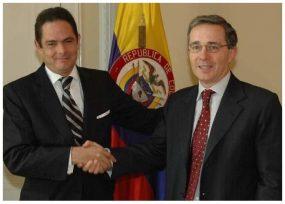 Primer acercamiento frontal de Vargas Lleras y Uribe