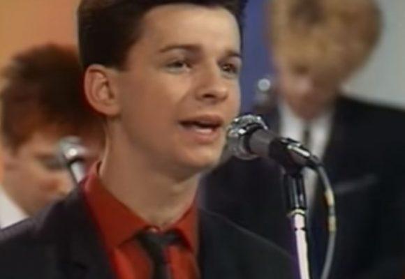 Depeche Mode en su debut cuando eran adolescentes. Video