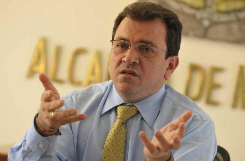 Alonso Salazar, del escritorio al territorio