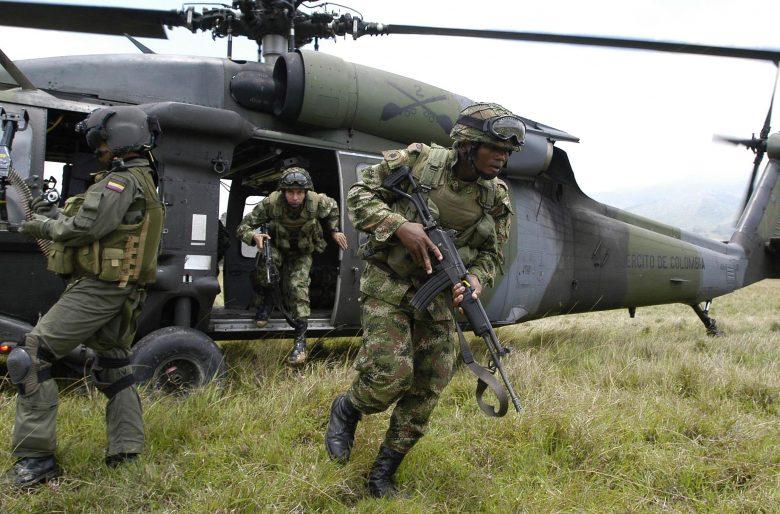Resultado de imagen para GUERRA EJERCITO COLOMBIA