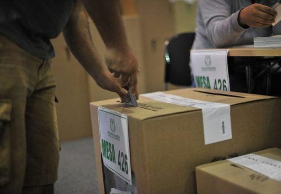 Colombia elige su futuro en segunda vuelta