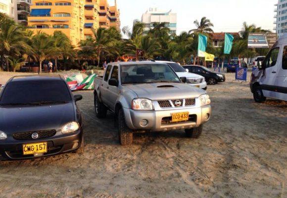 Por qué nunca debería estacionar su vehículo en la playa