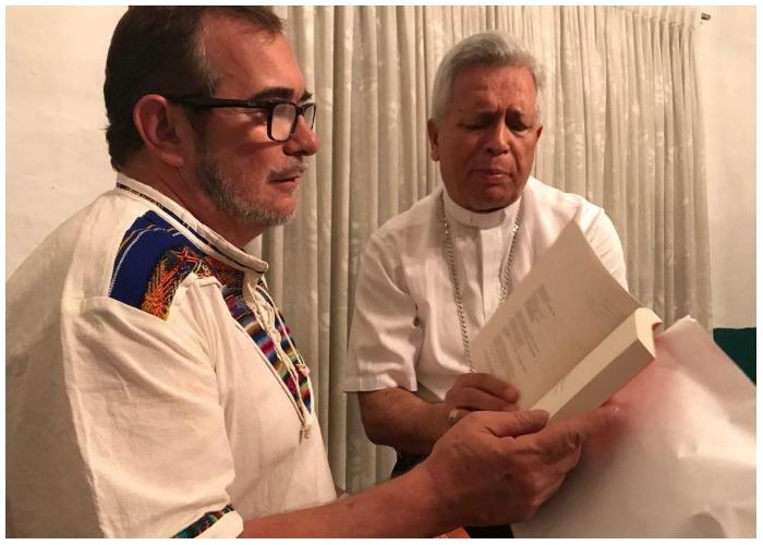 Monseñor Monsalve y Timochenko: un encuentro inesperado