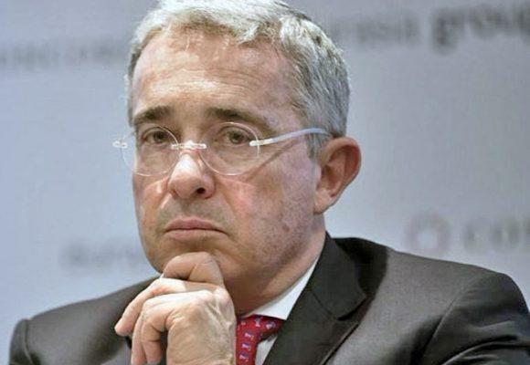 El mito de Álvaro Uribe