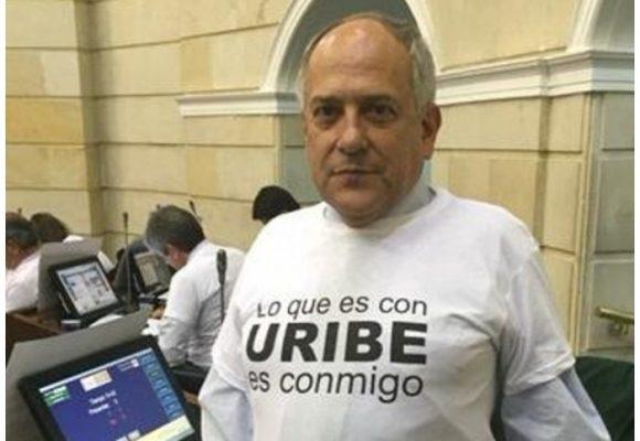 José Obdulio Gaviria salvó su curul a costa de sus copartidarios