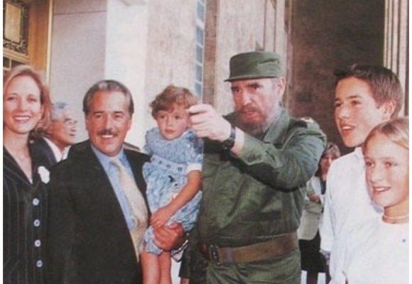 Pastrana insistió en el viaje a sabiendas de que lo detendrían en inmigración