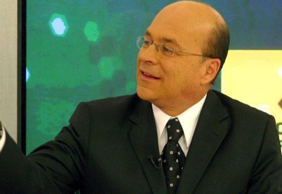 Carlos Antonio Vélez exhibe su brillante cabeza en RCN
