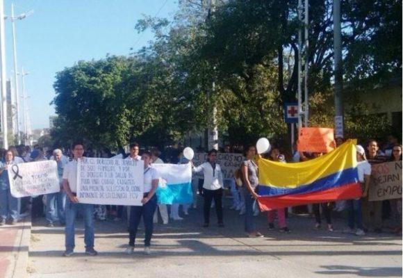 """¿La crisis """"castrochavista"""" del sistema de salud colombiano?"""