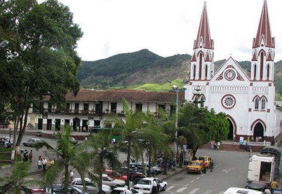 La Ceja, Antioquia: un municipio devorado por la luna