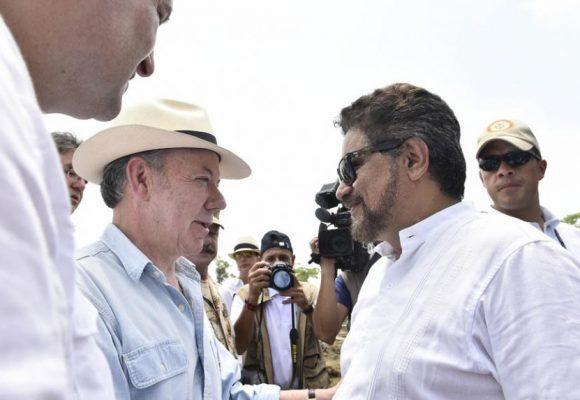 Mientras Santos lo minimiza en Nueva York, Márquez deslegitima el proceso de paz