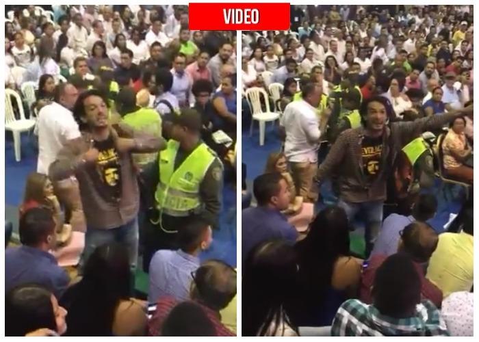 VIDEO: Así sacaron al hombre que le gritó 'paraco' a Iván Duque en el debate presidencial de Barranquilla