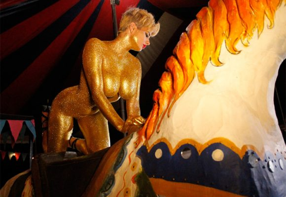 Con fiesta erótica, orgía y squirt en vivo: así celebrará Amaranta Hank el paro del 21