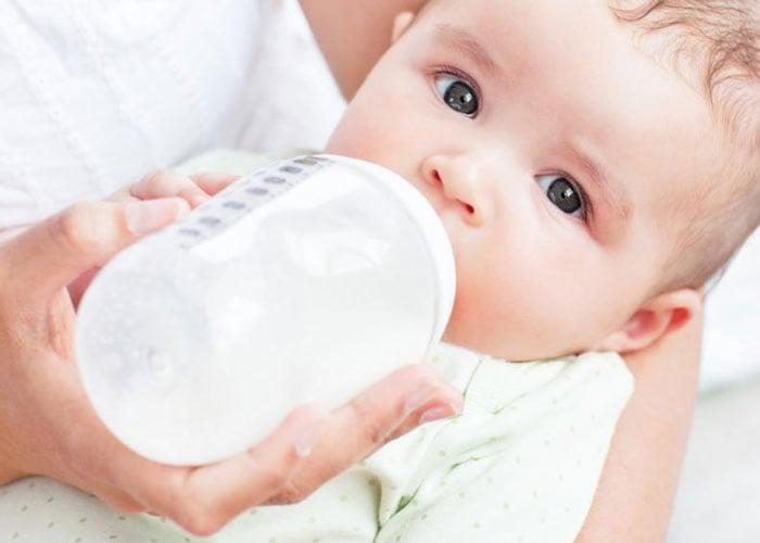 ¿La publicidad de fórmulas lácteas en detrimento de la lactancia materna?