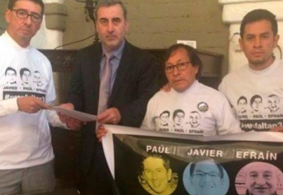 Los familiares de los periodistas asesinados le exigen una explicación a Santos