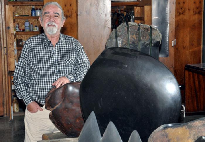 Hugo Zapata, el escultor del tiempo