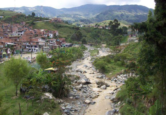 ¿Cuándo más tendrá que esperar la comunidad de los Ranchitos (Medellín) por soluciones?