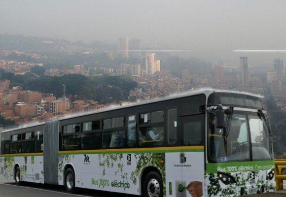El bus eléctrico con el que los paisas quieren salir del ahogo de la contaminación
