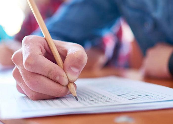 Examen de estado para abogados, una ley para pichones