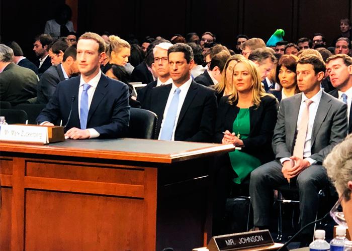 El billonario Mark Zuckerberg en la picota pública