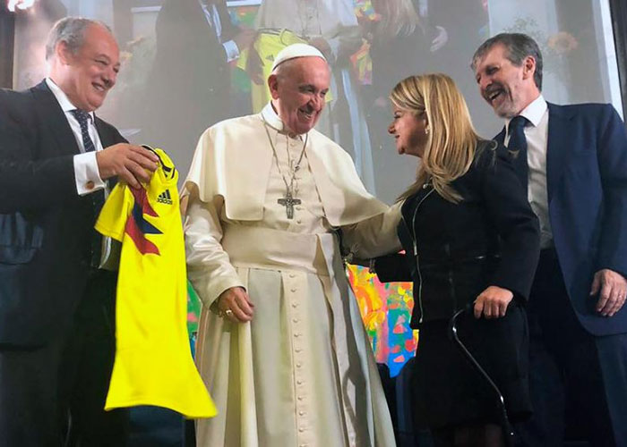 Elsa Noguera, presidenta de la fundación del papa en Colombia