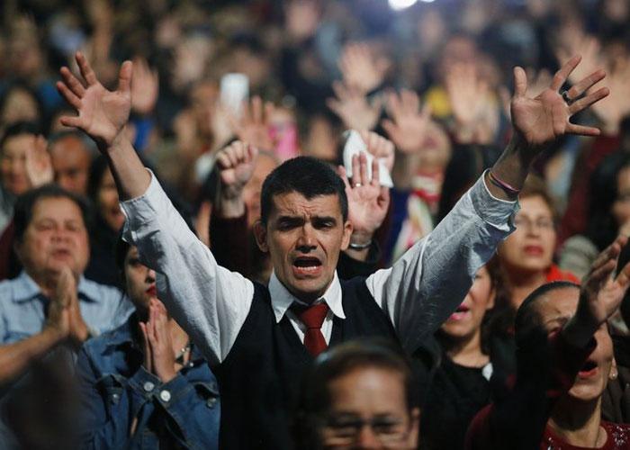 Aunque los sectores evangélicos son visibles aún son una minoría