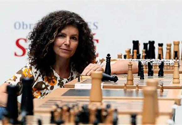 Otra jugada maestra de Mónica Savdié