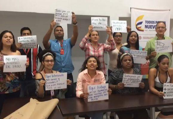 Trabajadores de la Unidad de Víctimas firman acuerdo con administración
