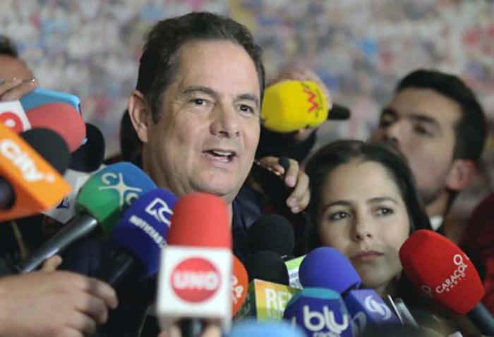 El colapso de las maquinarias: ¿qué le pasó a Vargas Lleras?