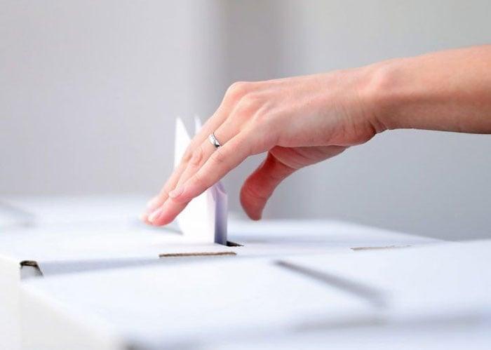 Votar en blanco no es favorecer a Uribe
