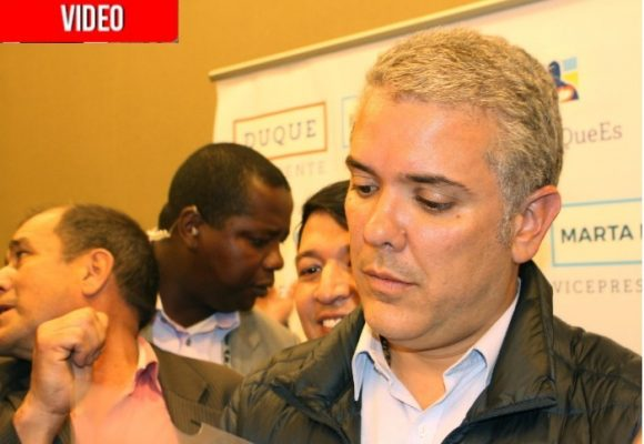 VIDEO: Iván Duque cambió el debate por el contacto con la gente
