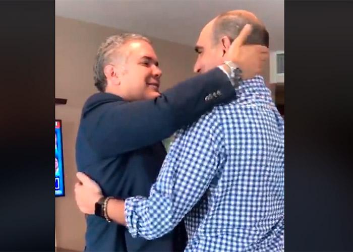 VIDEO: Celebración de Duque en su apartamento