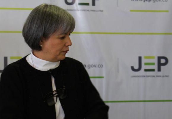 ¿Desconoce la JEP los instrumentos no judiciales de la justicia transicional?