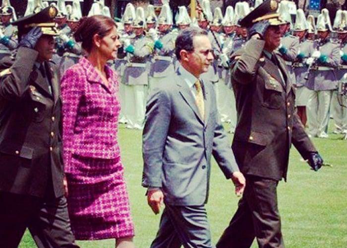Cuando Uribe sacrificó a Marta Lucía Ramírez para apaciguar a los generales
