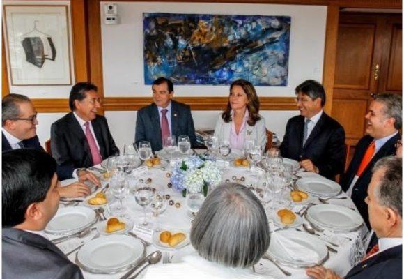 La llegada de Marta Lucía Ramírez obligó a reacomodar la mesa