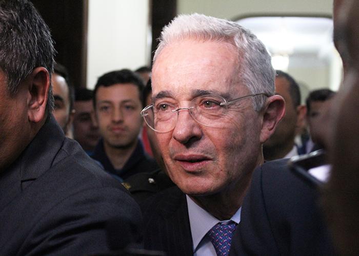 """""""General Montoya es un héroe"""" Álvaro Uribe Vélez"""