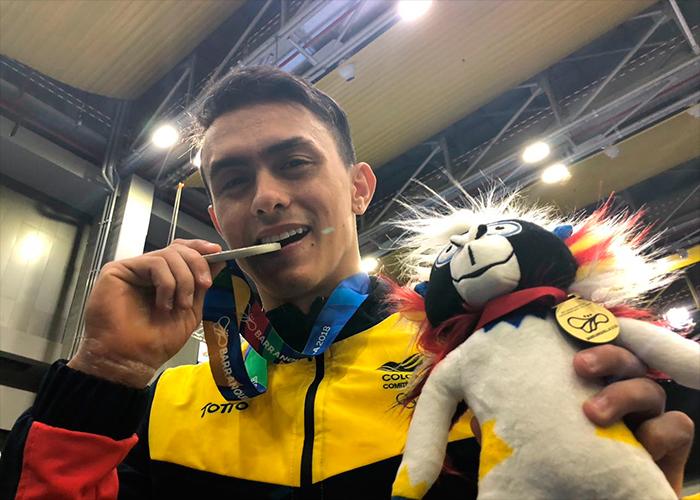 El homenaje de Jossimar Calvo a su mamá, un racimo de medallas de oro