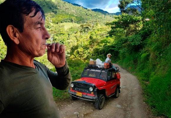 ¿Qué hacen los exguerrilleros con la platica que les llega de Bogotá?
