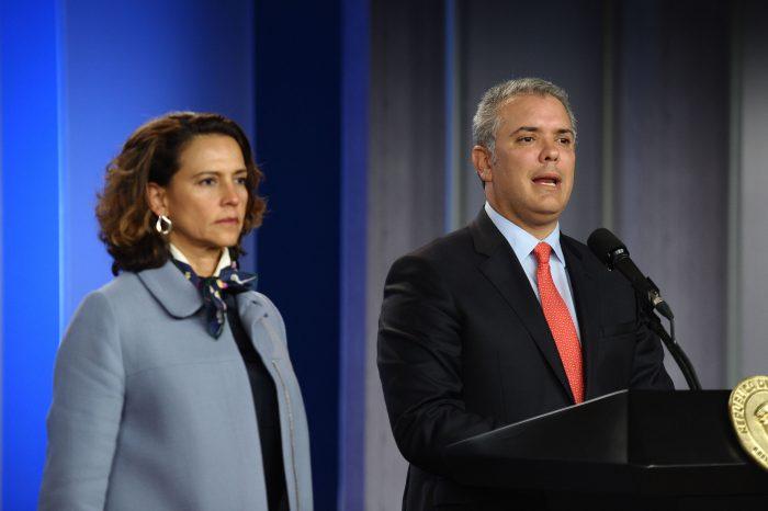 La reunión se extendió hasta media noche. Duque anunció junto a la ministra Nancy Patricia Gutiérrez un acuerdo en el que todos quieren participar. El objetivo es tramitar todos los proyectos antes del 26 de diciembre.