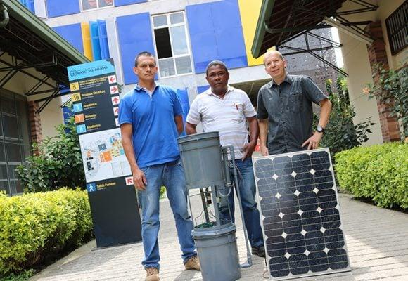 La primera lavadora solar de Colombia es paisa