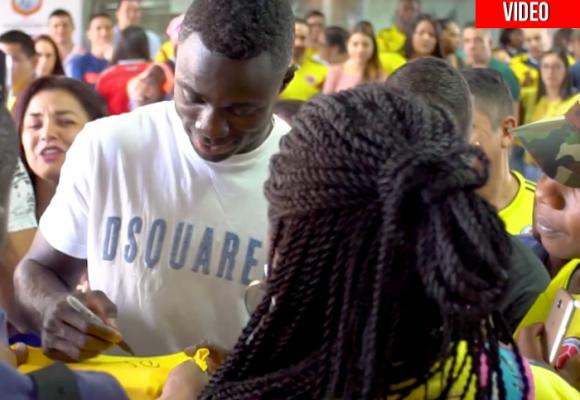 VIDEO: Davinson Sánchez regresa como héroe a su tierra