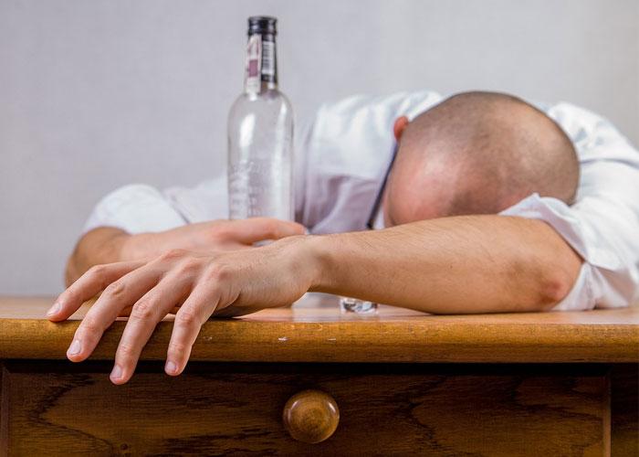 Alcoholismo, la enfermedad contemporánea