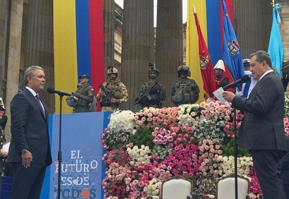 Llamado de unidad destruido por Ernesto Macías