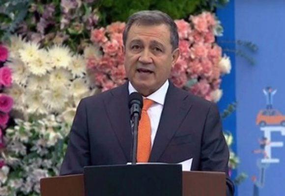 Ernesto Macías, el hombre sin atributos