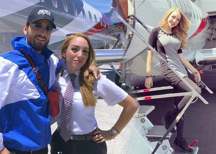 La sensual piloto que lleva a Maluma