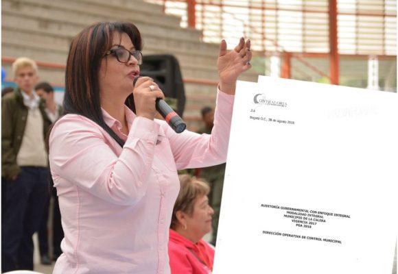 El preinforme de la Contraloría que tiene a la alcaldesa de la Calera contra las cuerdas