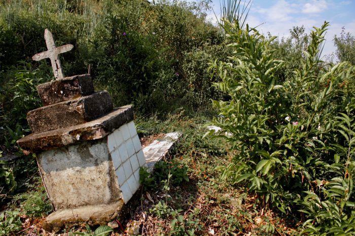 En la última semana mataron a un profesor indígena Misak en la vía entre Suárez y Morales, del otro lado del río Ovejas, a un hombre en la mitad del pueblo de dos tiros por la espalda.