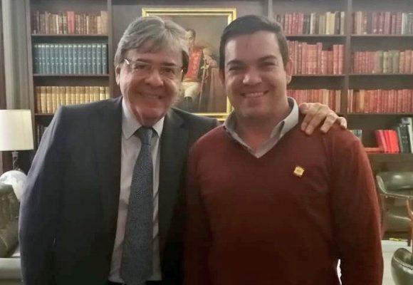 Mucha suerte al representante por los colombianos en el exterior