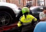 VIDEO: Cómo Tránsito y las grúas en Bogotá destruyen los carros en su afán de inmovilizarlos